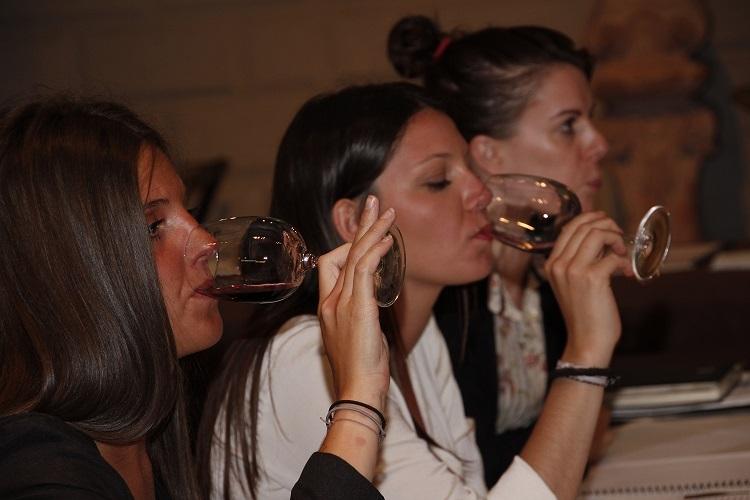 Profesionales degustando vinos DO La Mancha en el pasado evento celebrado en México en 2015