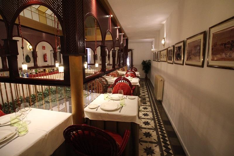 Restaurante La Antigua cuida la estética con un toque vintage