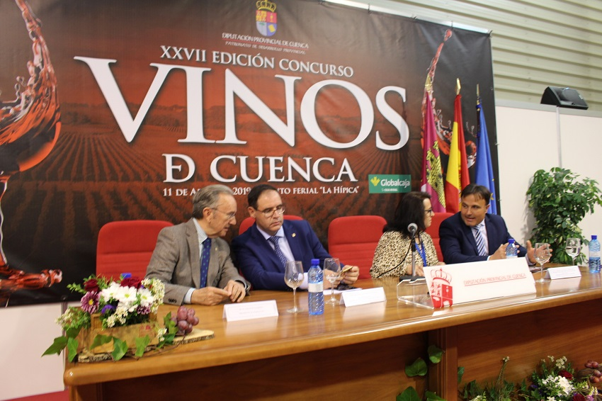 Mesa presidencial en la entrega de Premios 'Vinos de Cuenca'