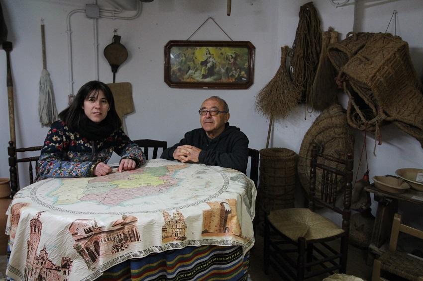 Enrique Tirado, a la derecha, Asociación de Amigos de los Molinos de Viento de mota del Cuervo