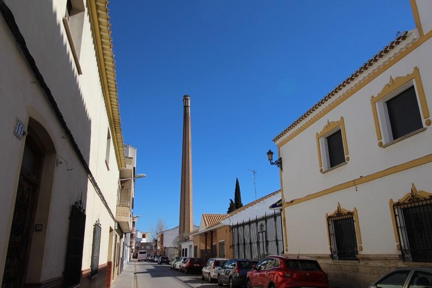 Las chimeneas resaltan en la fisonomía urbana de Tomelloso