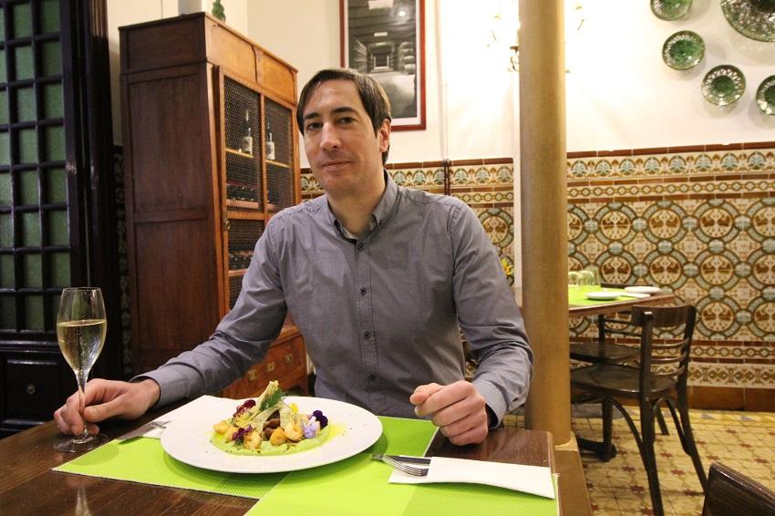 Luis Olmedo con un plato maridaje