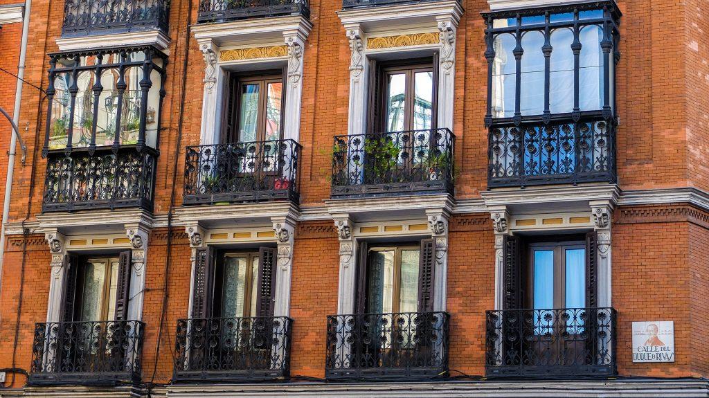 Edificio castizo en el centro de Madrid