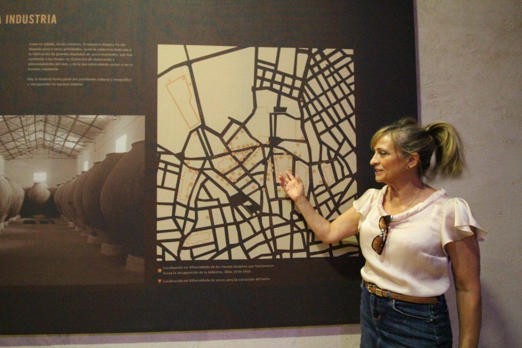 Ana J. Torres, promotora de Turismo en Villarrobledo en el Museo