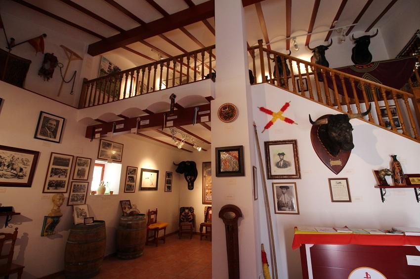 Detalles del museo taurino en Tarazona de La Mancha