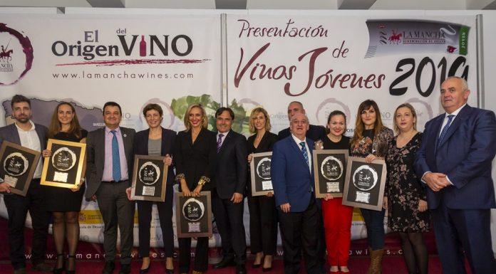 Foto de famillia de los Premios Jóvenes DO La Mancha 2019