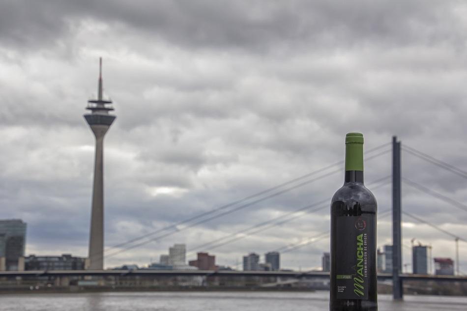 Los vinos DO La Mancha frente al Rin en Dusseldorf