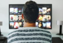 Imagen delante del televisor