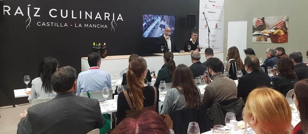 Cata comentada en el stand de Castilla La Mancha en FITUR 2020
