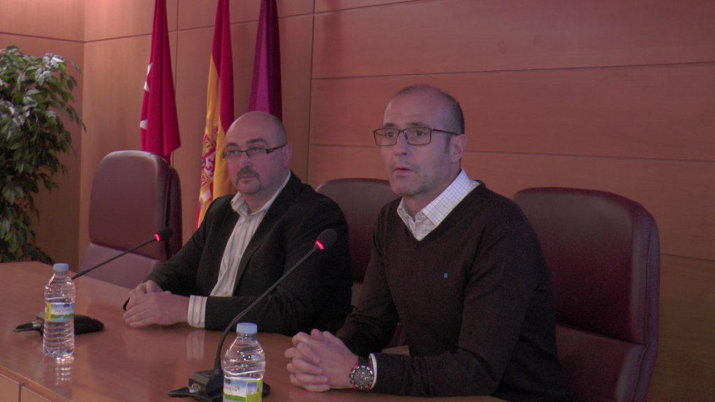 El gerente de los vinos DO La Mancha y el profesor de la Complutense en la inauguración de la primera edición