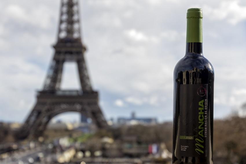 Los vinos DO La Mancha frente a la Torre Eiffel, ciudad de Wine París