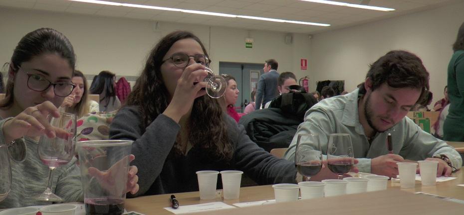 Taller de aromas de los vinos DO La Mancha en la Universidad Complutense