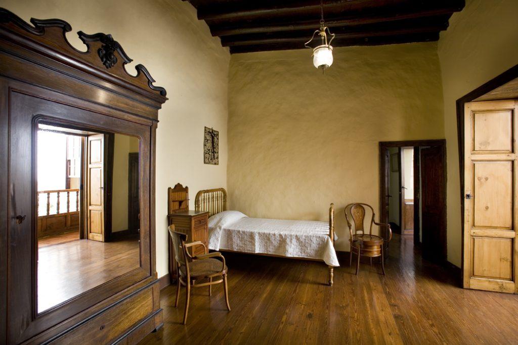 Dormitorio del escritor en Madrid. Foto de la Casa Museo Pérez Galdós