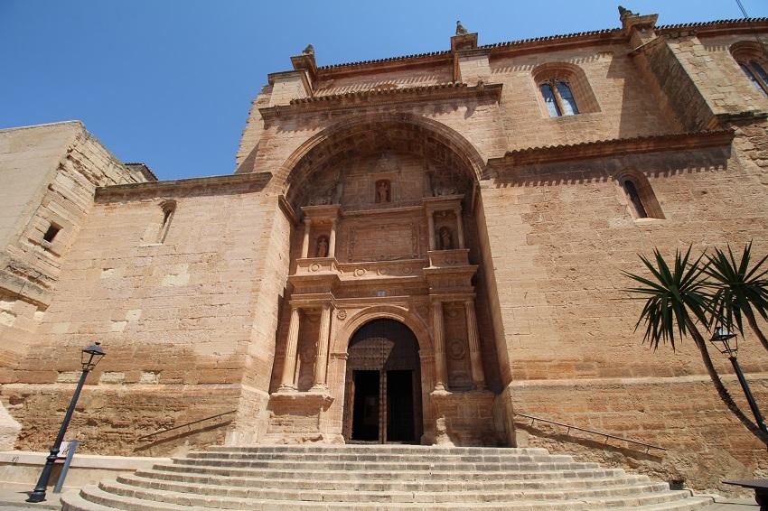fachada de la Iglesia de San Blas en Villarrobledo