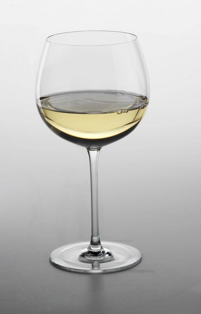 Copa de vino blanco borgoña