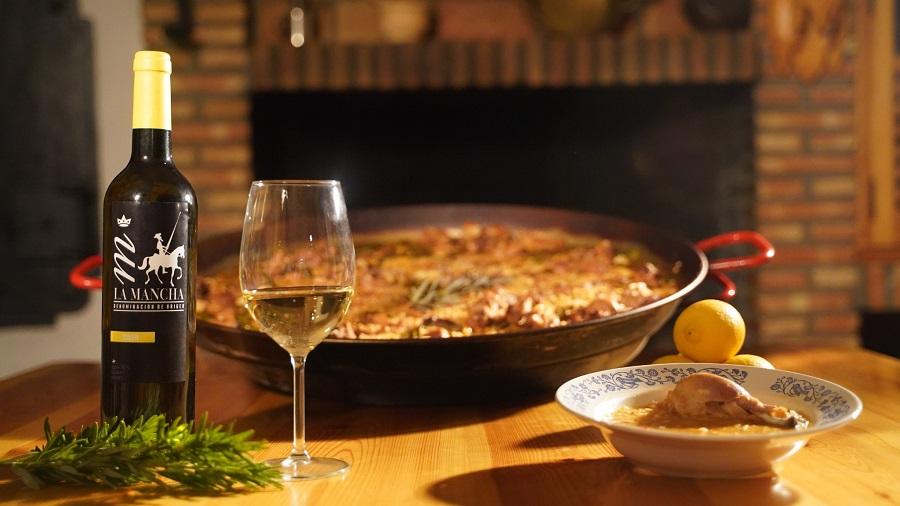 Vino blanco con paella