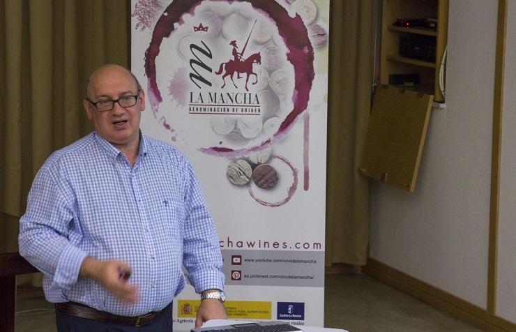 Miguel Ángel González Viñas, Director del Curso de Verano
