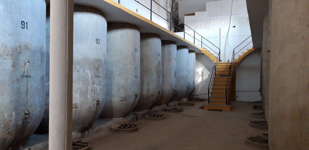 Instalaciones de una vieja cooperativa en La Mancha toledana