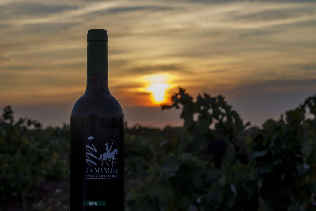 Puesta de sol con vino