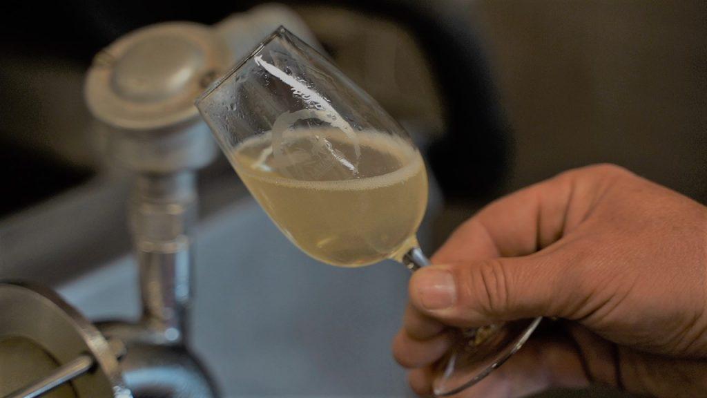 Filtrado de vinos blancos