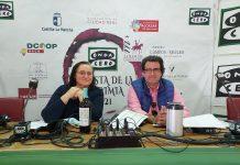 Soledad de Juan y Pablo Rodríguez, conductores de Onda Agraria, despiden la III Fiesta de la Vendimia desde DCOOP Baco